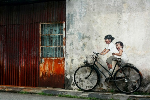 Street-Art-by-Ernest-Zacharevic-in-Penang-Malaysia-2